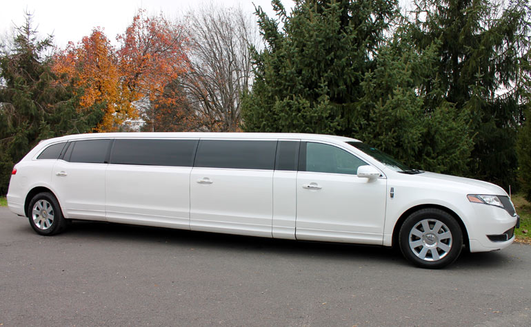 super stretch limousine rental