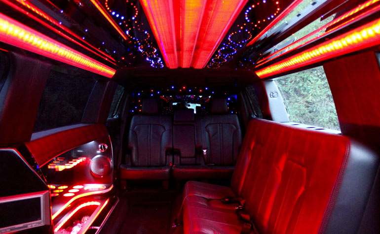 gorgeous super stretch limousine rental