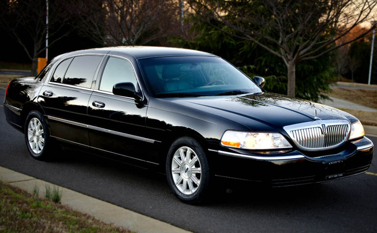luxury sedan rental in philadelphia area